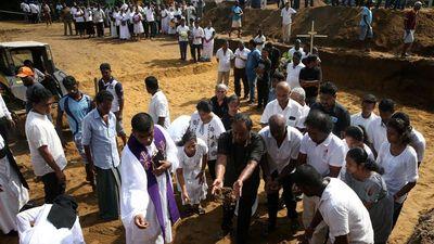 Số người chết vì đánh bom khủng bố lễ Phục sinh ở Sri Lanka tiếp tục tăng lên