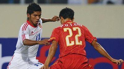 Tuyển thủ Myanmar suýt gãy chân khi chơi ở Thai League