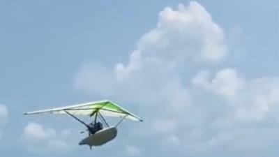 Độc đáo chiếc thuyền có thể biến hình thành máy bay