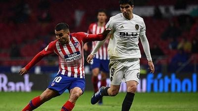Highlights Atletico 3-2 Valencia: Rượt đuổi nghẹt thở