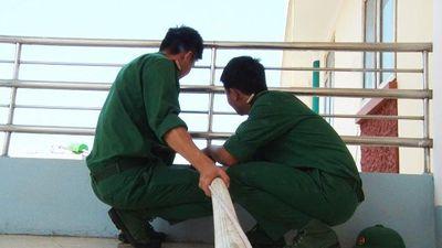 Bộ đội Sa Pa: Chở nước từ 3h sáng, xuyên trưa kéo nước sạch cho dân