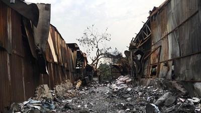 Trở lại 'hỏa ngục' Trung Văn sau 2 tuần xảy ra vụ cháy kinh hoàng