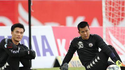 HLV Chu Đình Nghiêm lý giải việc cho Bùi Tiến Dũng ra sân