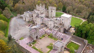 Toàn cảnh lâu đài hơn 200 tuổi trong bom tấn Game of Thrones