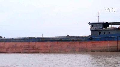 Gầm cầu An Thái, Hải Dương hư hỏng nặng vì bị tàu thủy