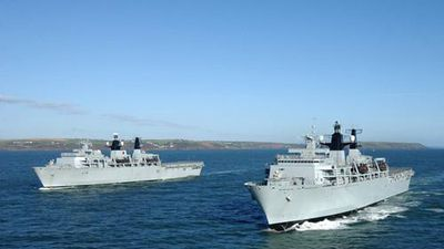 Bí ẩn lý do tàu chiến Anh đưa 3.000 quân đến biển Baltic