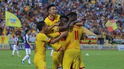 HLV mới của Nam Định nói gì sau khi đánh bại 'ông lớn' Hà Nội?