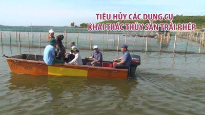 Giải tỏa, tiêu hủy các dụng cụ khai thác thủy sản trái phép trên đầm Ô Loan
