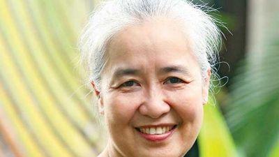 Đầu bếp nổi tiếng Nguyễn Dzoãn Cẩm Vân xuất gia