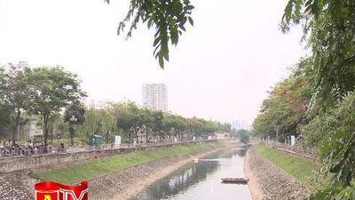 Nước sông Tô Lịch chuyển biến tích cực sau hơn 10 ngày làm sạch