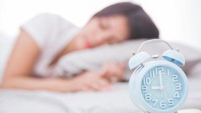 Tác hại khôn lường khi 'ngủ nướng' vào cuối tuần