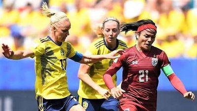 HLV tuyển nữ Thái Lan hạnh phúc khi có bàn danh dự trong trận thua 1-5