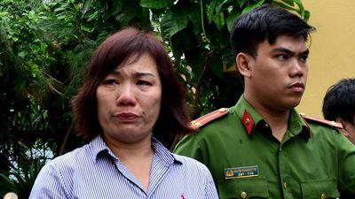 Nữ tài xế BMW gây tai nạn ở Hàng Xanh bật khóc khi lĩnh 42 tháng tù