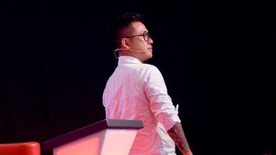 Tuấn Hưng bất bình rời ghế HLV Giọng hát Việt khi học trò bị loại