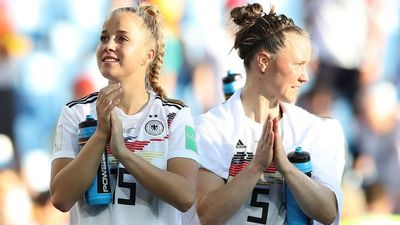 Tuyển Đức đè bẹp Nam Phi, giành vé vào vòng 1/8 World Cup nữ