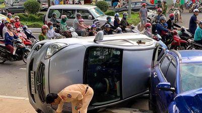 Ô tô 'điên' gây tai nạn liên hoàn, 6 người bị thương