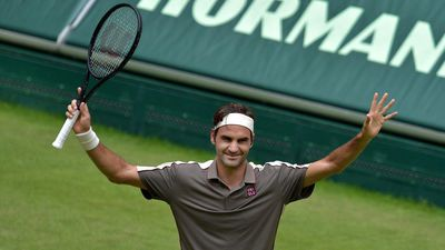 Federer thắng vất vả Tsonga tại Halle Open