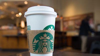 Nhà đầu tư lãi bao nhiêu nếu mua 1.000 USD cổ phiếu Starbucks 10 năm trước?