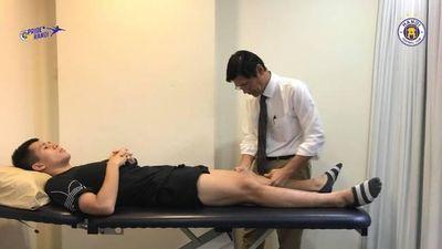 Đình Trọng gặp bác sĩ người Singapore, chốt thời gian phẫu thuật