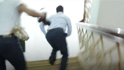 Nguyễn Hữu Linh chạy thẳng vào nhà vệ sinh trốn ống kính phóng viên