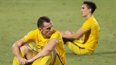 Đối thủ đổ gục sau khi suýt khiến Quang Hải bị loại ở AFC Cup