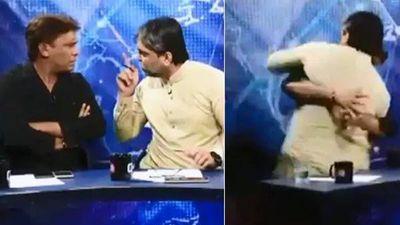 Chính trị gia, nhà báo lao vào ẩu đả ngay trên sóng truyền hình trực tiếp