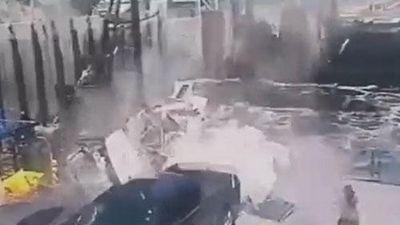 Tai nạn hi hữu ôtô 'từ trên trời rơi xuống', tài xế thiệt mạng