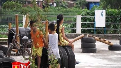 Độc đáo sân chơi từ lốp xe tái chế