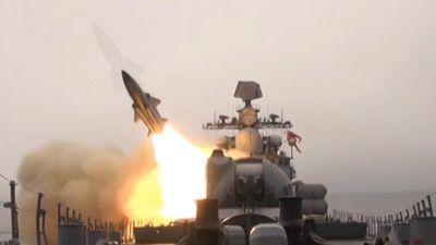 Cận cảnh Nga thử tên lửa chống hạm Mosquito đầy uy lực ở Biển Nhật Bản