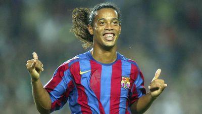 Ronaldinho có thể tái xuất sân cỏ chuyên nghiệp ở tuổi 39