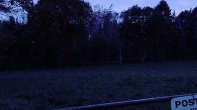 CLIP: 'Ớn lạnh' với cảnh nhiều bóng ma đi dạo lúc rạng sáng