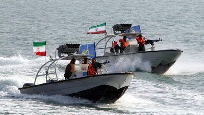 Iran bắt tàu nước ngoài 'chở lậu nhiên liệu' ở Vịnh Ba Tư