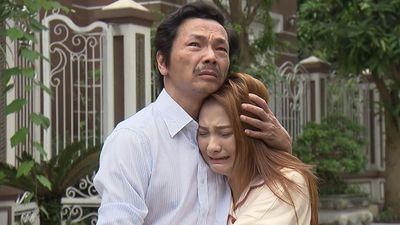 'Về nhà đi con' tập 70: Ông Sơn đau khổ đón Thư về nhà