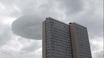 CLIP: Đĩa bay của người ngoài hành tinh xuất hiện trên bầu trời Nga?
