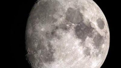 Giải mã bất ngờ lý do Trái đất nhiều vàng hơn Mặt trăng