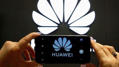 Bị Mỹ cấm vận, Huawei vẫn tăng trưởng 30% nửa đầu năm