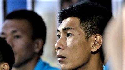 Thủ môn mắc sai lầm, CLB Khánh Hòa tiếp tục đứng cuối bảng xếp hạng