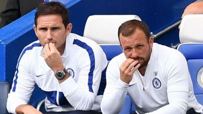 Lampard đăm chiêu trên ghế huấn luyện sau 3 trận liên tiếp không thắng