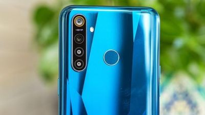 Realme ra mắt smartphone có 4 camera sau, giá từ 140 USD, pin khỏe