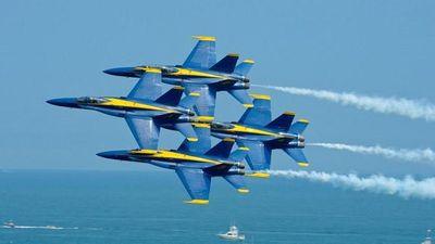 4 máy bay Mỹ phải hạ cánh khẩn cấp vì chạm nhau trên không