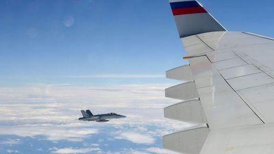 Tiêm kích Thụy Sĩ áp sát máy bay chở đoàn tháp tùng Tổng thống Putin