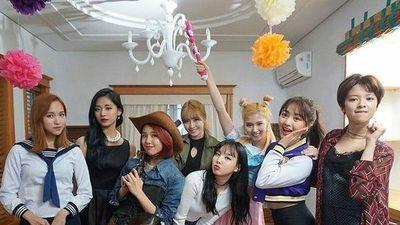 Tạm quên 'Fancy', bản hit năm nào 'Cheer Up' tiếp tục cán mốc thành tích mới cho Twice đây!