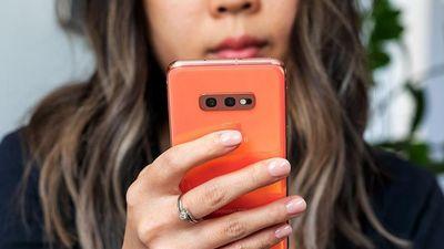 Dùng smartphone Android có khiến bạn bị kỳ thị?