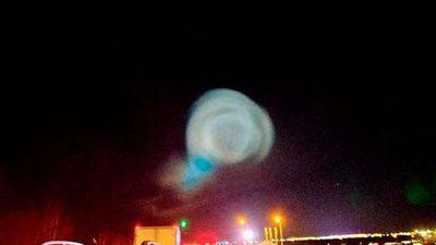 CLIP: Người dân hoảng hốt khi UFO xuất hiện ở Nga