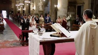 Nhà thờ mất điện khi sét đánh ngay sau lời cầu nguyện ở đám cưới