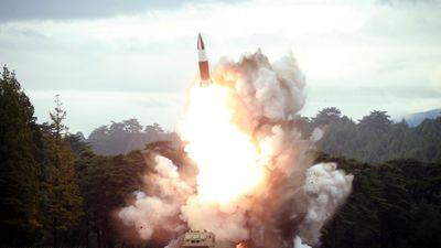 Triều Tiên phóng vật thể bay không xác định nghi là tên lửa đạn đạo