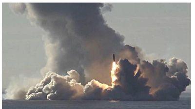 Nga phóng hai tên lửa đạn đạo từ tàu ngầm