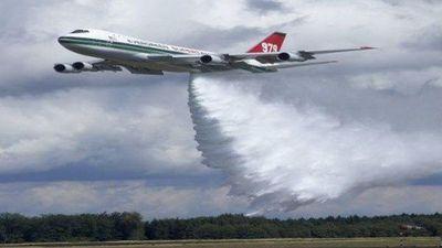 Xem 'siêu máy bay chữa cháy' Boeing 747 dập lửa ở Amazon