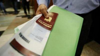Phanh phui đường dây gian lận thị thực đưa nhân viên chính phủ Trung Quốc vào Mỹ