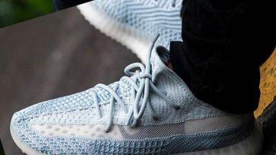 Đập hộp giày Yeezy 350 Cloud White mở bán ở Việt Nam thứ bảy này